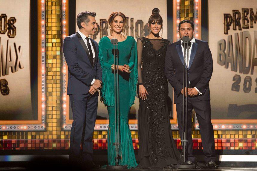 Adrián Uribe, Ninel Conde, Cynthia Urias y Julión Álvarez.jpg