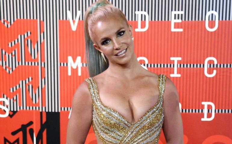 Britney-Spears-2016-770x480
